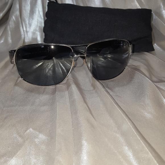 f90d8cc36d4 Authentic men s prada polarized sunglasses. M 5b0c3e47a825a6f22eee177c.  Other Accessories ...